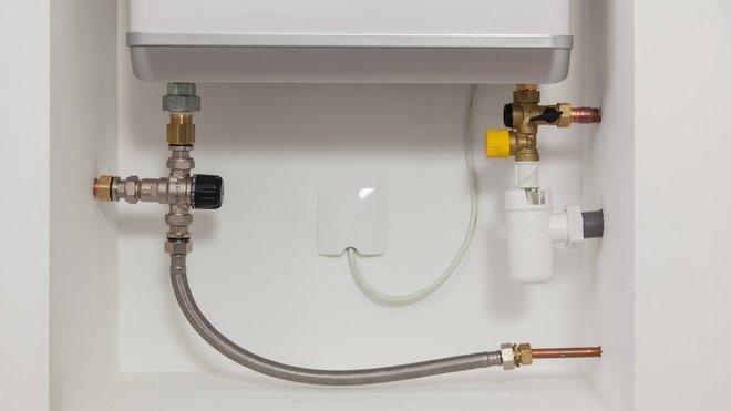 Installer un chauffe-eau plat chez soi