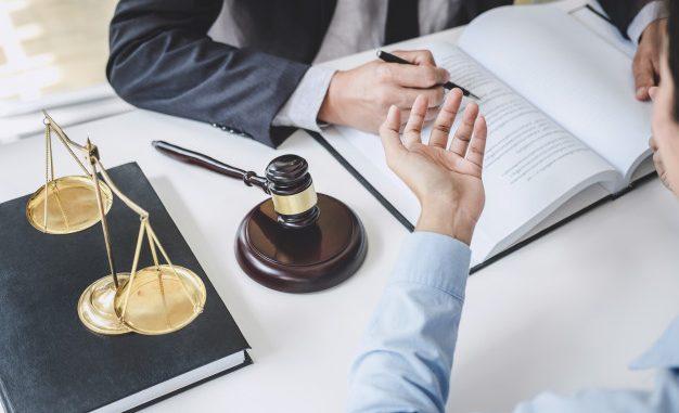 Pourquoi faire appel aux services d'un avocat spécialisé en droit dutravail?