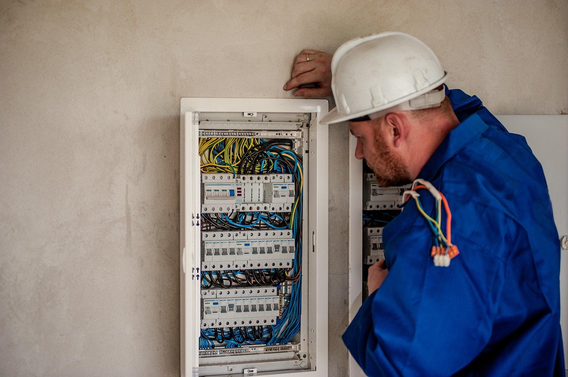 Formation habilitation électrique : Pourquoi faire une mise à jour